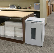 <b>Boxis<sup>®</sup> AutoShred<sup>®</sup> AF300</b><br>A REVOLUTION IN PRODUCTIVITY™<br>300 Sheet Autofeed Microcut Shredder