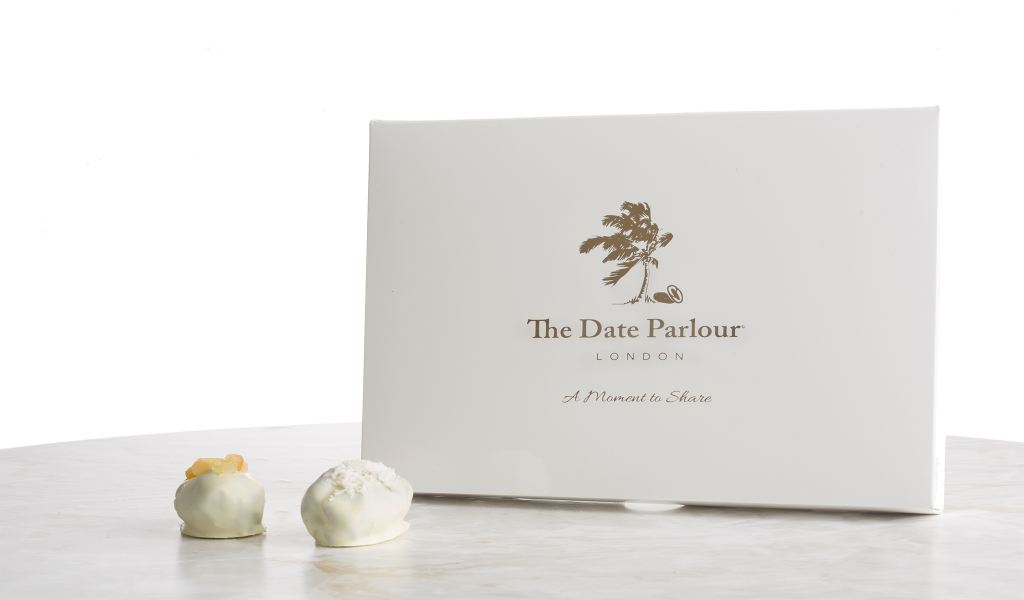 Medium White Choc Dates - The Date Parlour