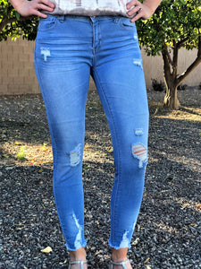 DISTRESSED PUSH UP SKINNY JEANS IN LIGHT BLUE