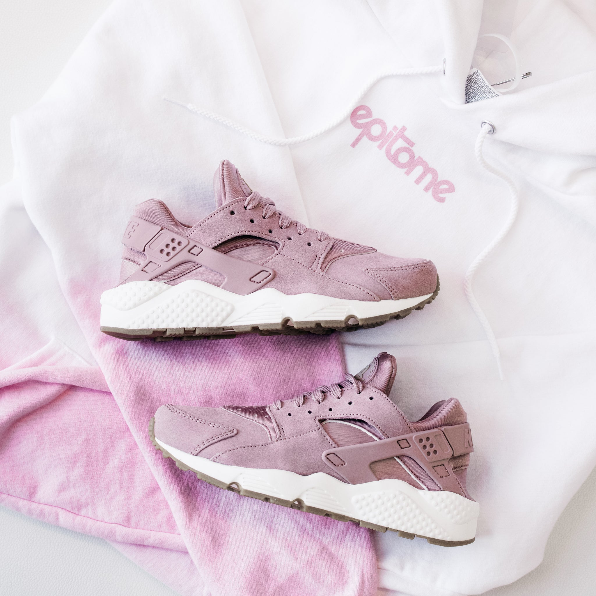 Women S Nike Air Huarache Run Particle Pink Epitome Atl