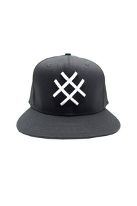 LUCID FC - LOGO FITTED HAT (BLK/WHT)