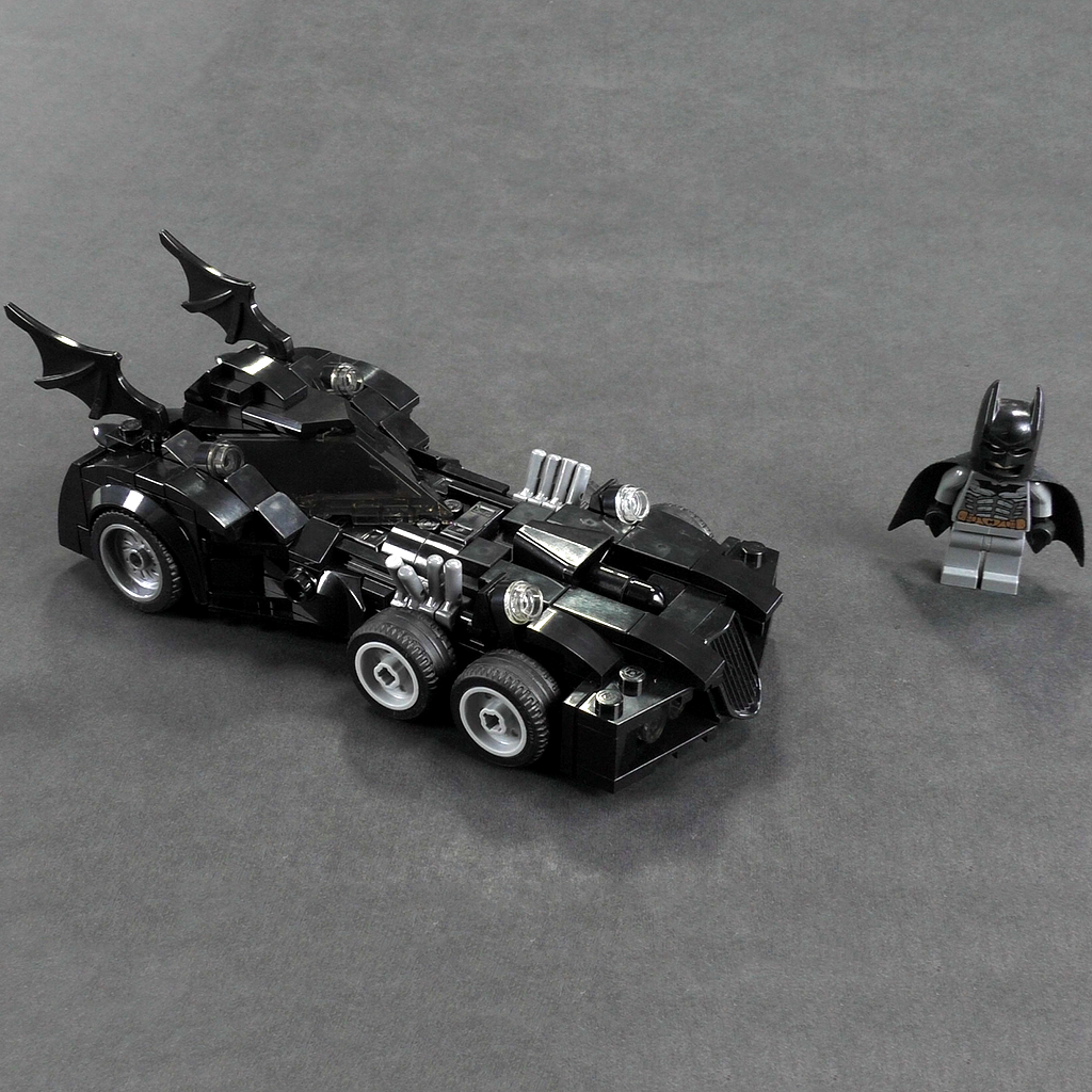 Injustice: The Gods Among us Batmobile - Minifig Scale