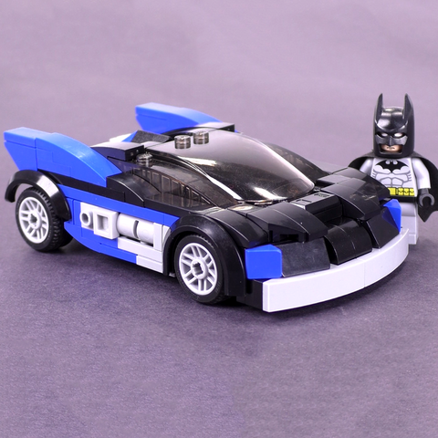 The Batman Batmobile 2004 - Minfig Scale