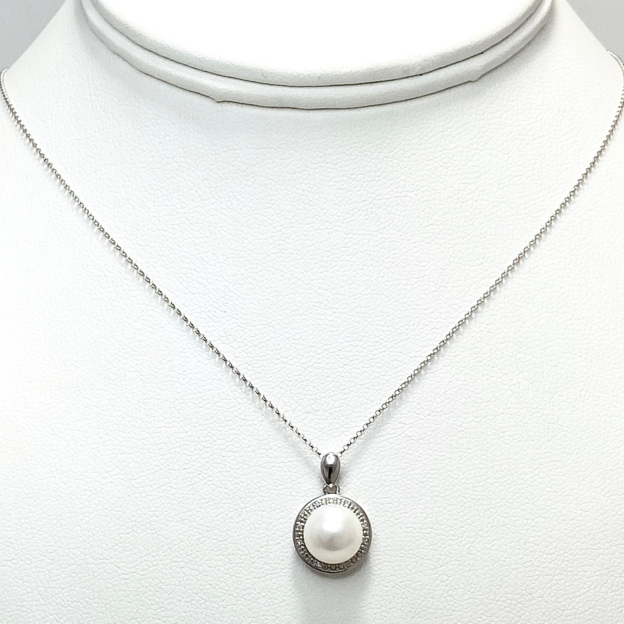 14K White Gold Necklace with Cultured Pearl and Diamonds