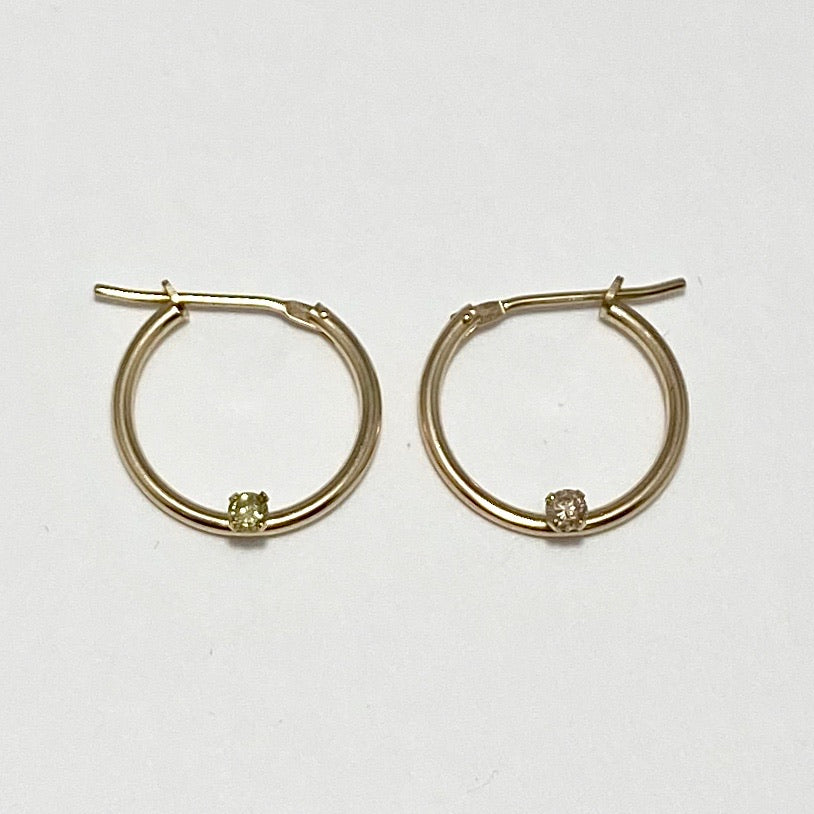 14K Yellow Gold Hoop Earring with Diamonds