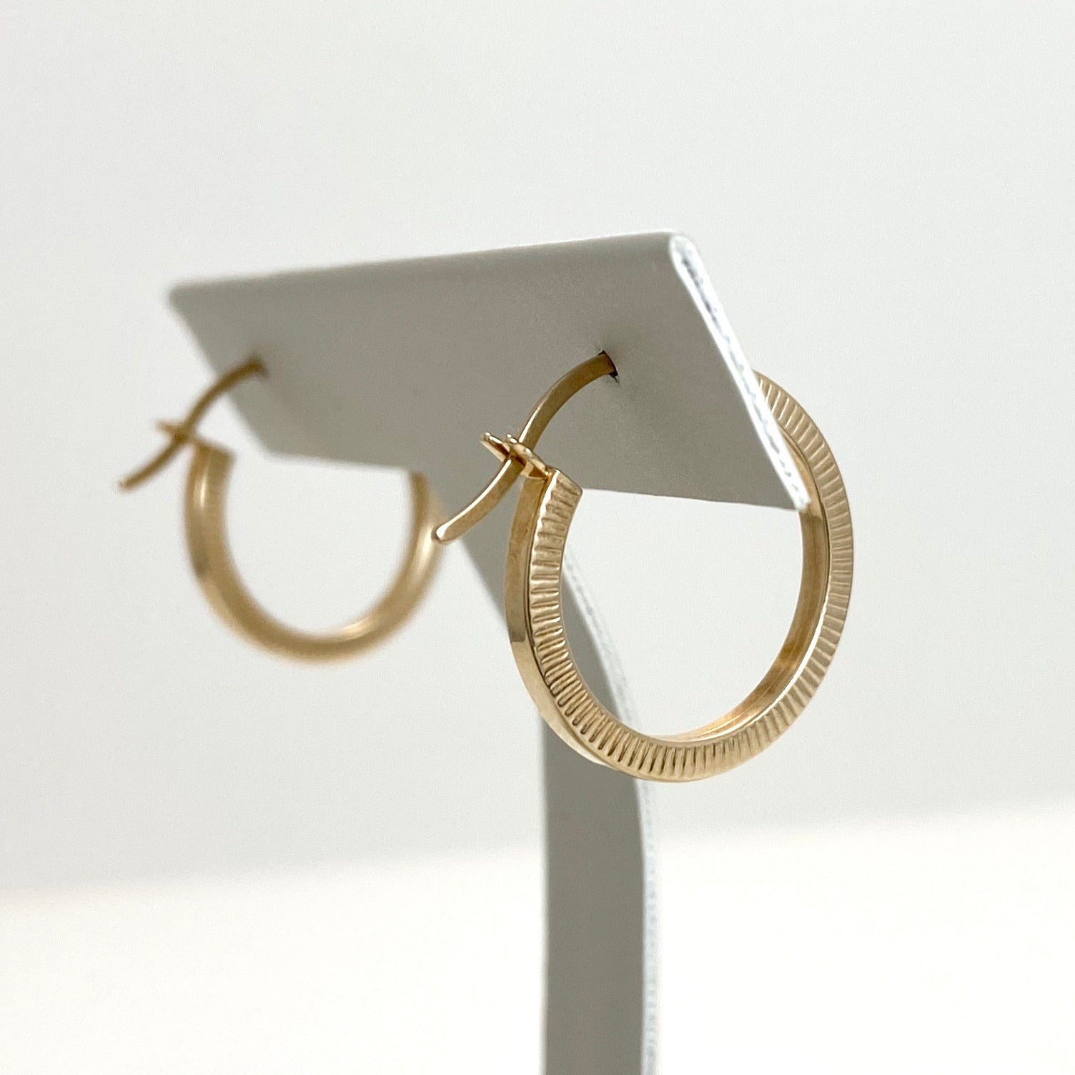 10K Yellow Gold Medium Hoop Earrings with Lined Design on Sides