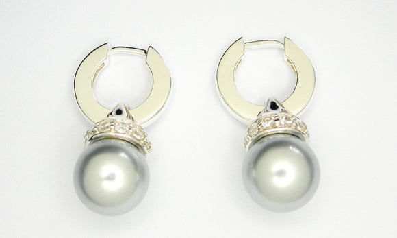 Huggie earrings with pearl & CZ