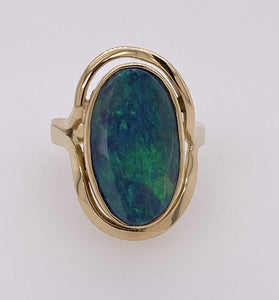 Handmade 14ct yellow gold Opal ring