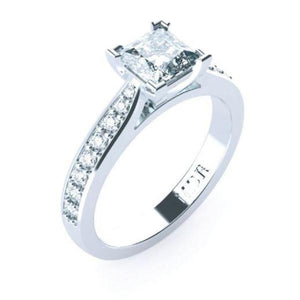 Solitaire Princess cut Diamond Platinum ring