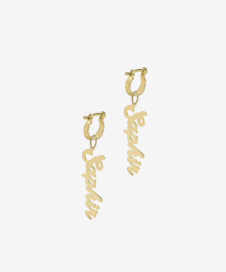SHAMI DANGLE NAMEPLATE HUGGIE EARRINGS