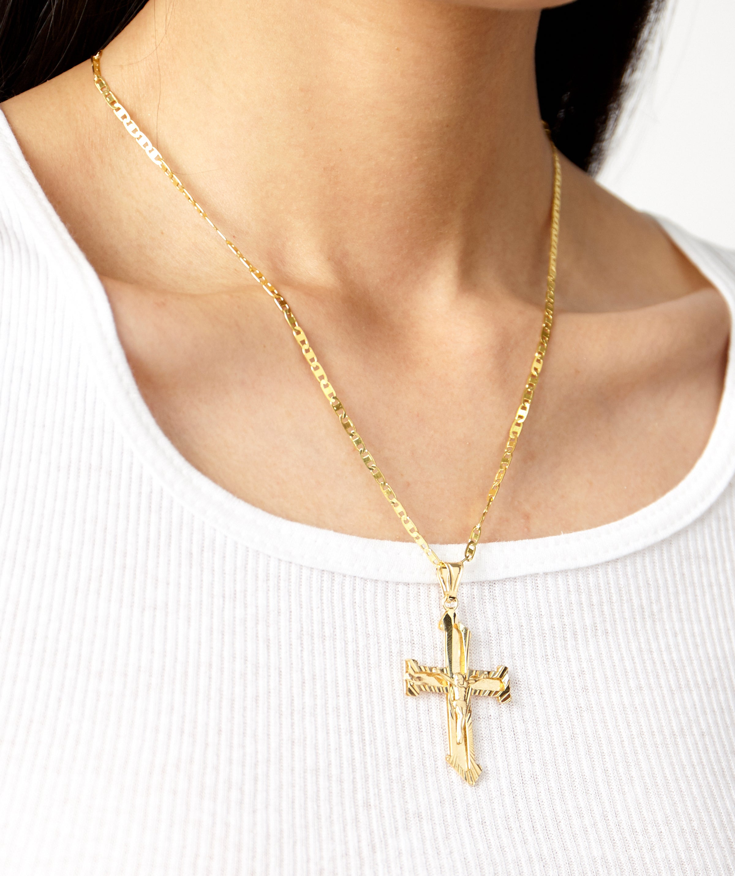SAGRADA CROSS NECKLACE
