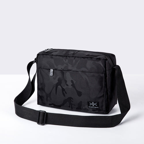 Liam Compact Sling Pack - Black