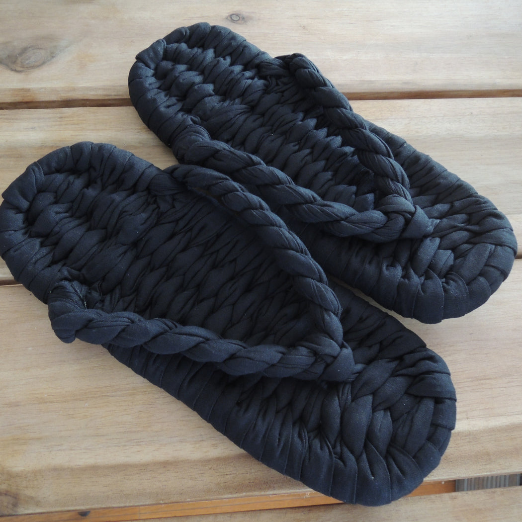 Black: Hand-woven cotton Japanese Style Slippers Zouri - Heiwa Slipper