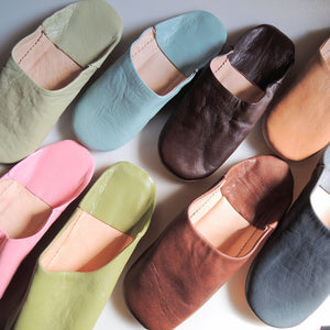 30pairs : Moroccan Slippers Leather Sheepskin  [Assorted Colors]  Free Shipping - Heiwa Slipper
