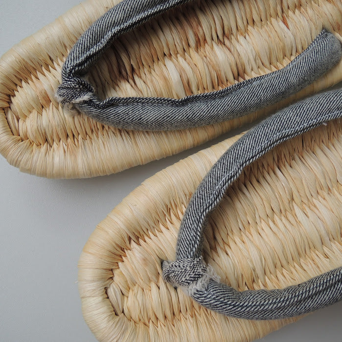 Corn Husks Upcycle Zouri Slippers / 2019 Plain Natural / Denim Mix / 4 Size - Heiwa Slipper
