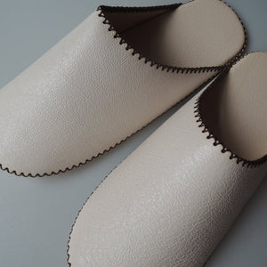 [White: Small/Medium/Large] TOKYO Leather simple slippers [White] Chrome-free - Heiwa Slipper