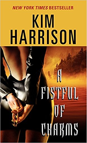 A Fistful of Charms (The Hollows #4) by Kim Harriso