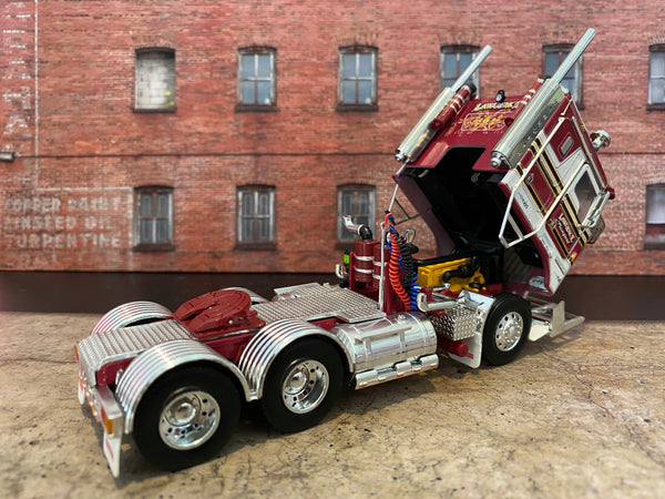 **IN STOCK** LAWRENCE K100G KENWORTH DIECAST MODEL