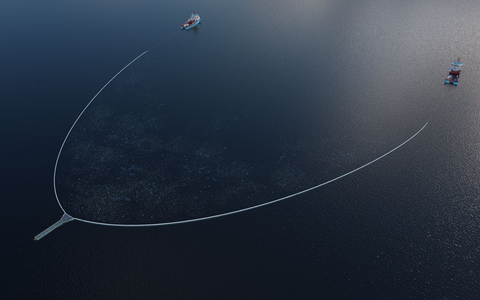 The-Ocean-Cleanup-System-002