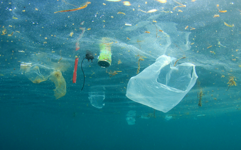 Device-Cleaning-Up-Plastic-Pollution