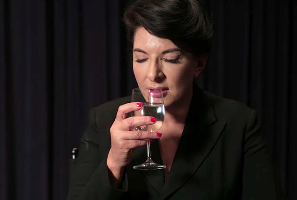 Marina Abramović how to drink a glass of water