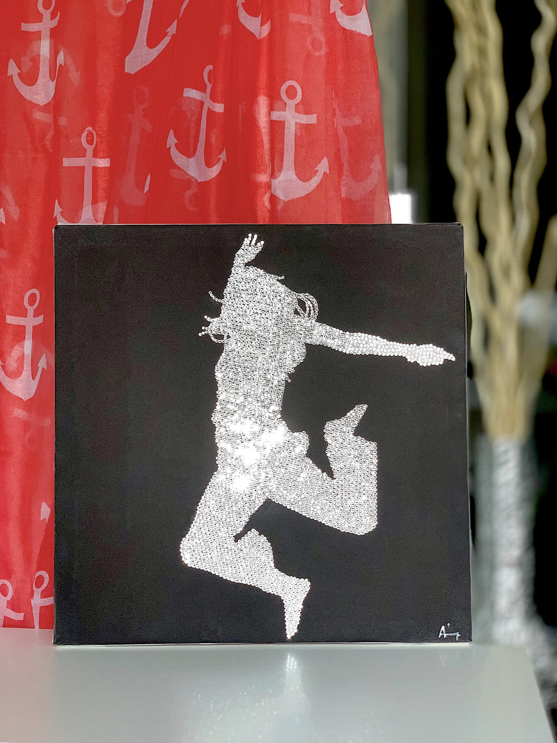 DANCING GIRL canvas on the designed mood table