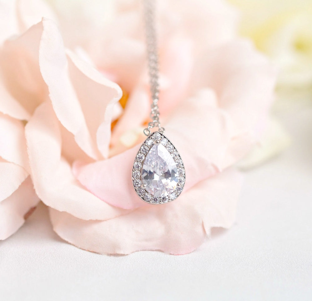 Victoria Teardrop Wedding Necklace
