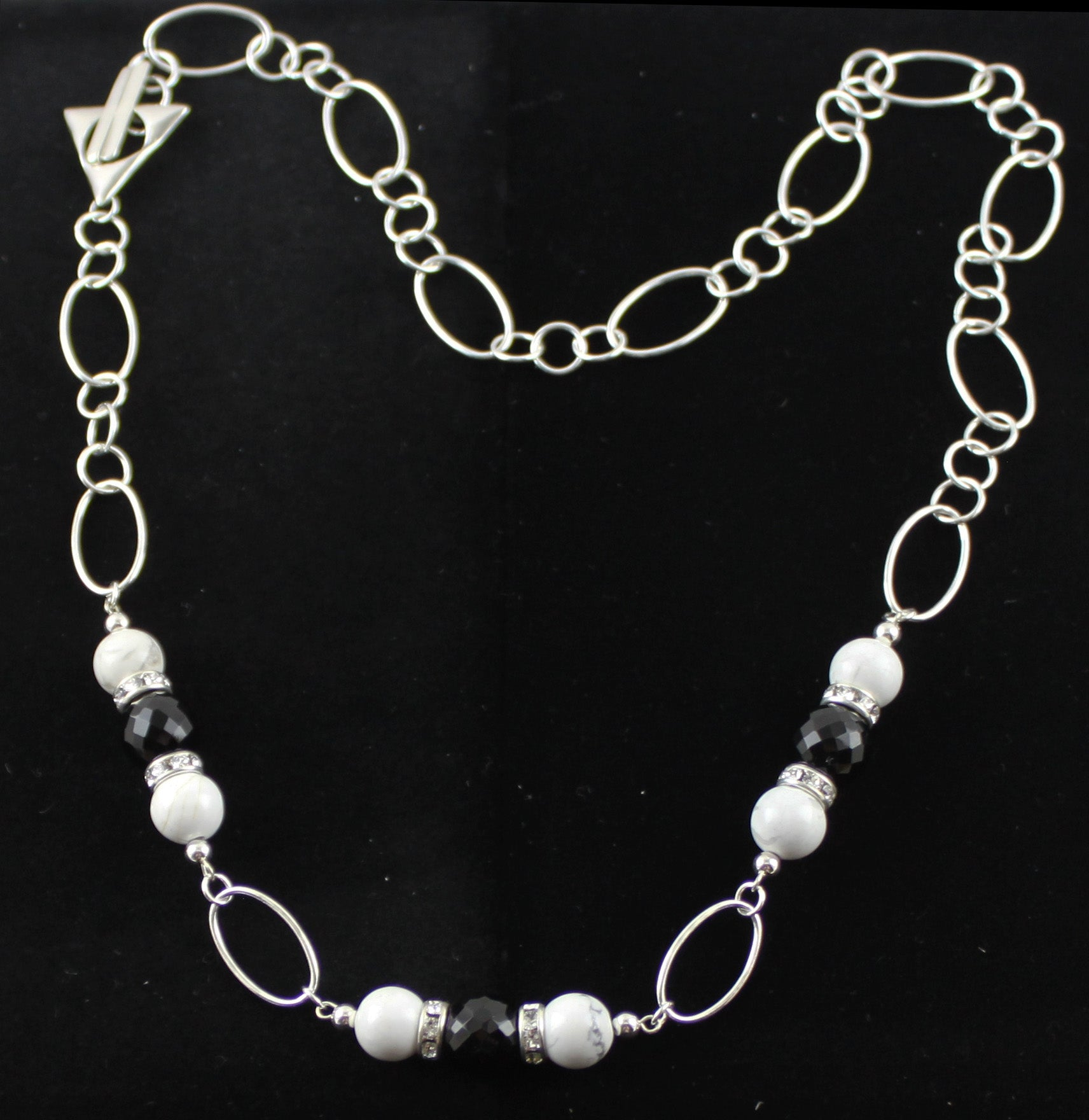 Black & White Howlite Necklace