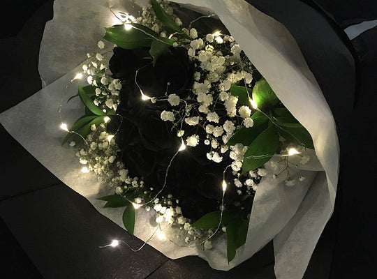 Black roses bouquet
