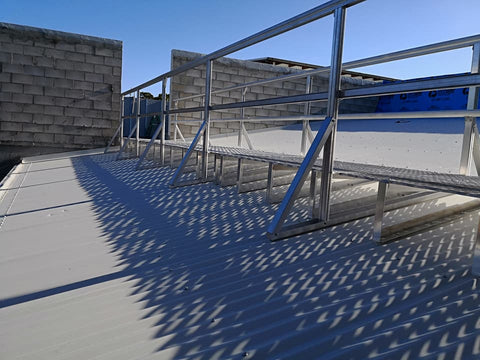 Aluminium roof walkway with handrails
