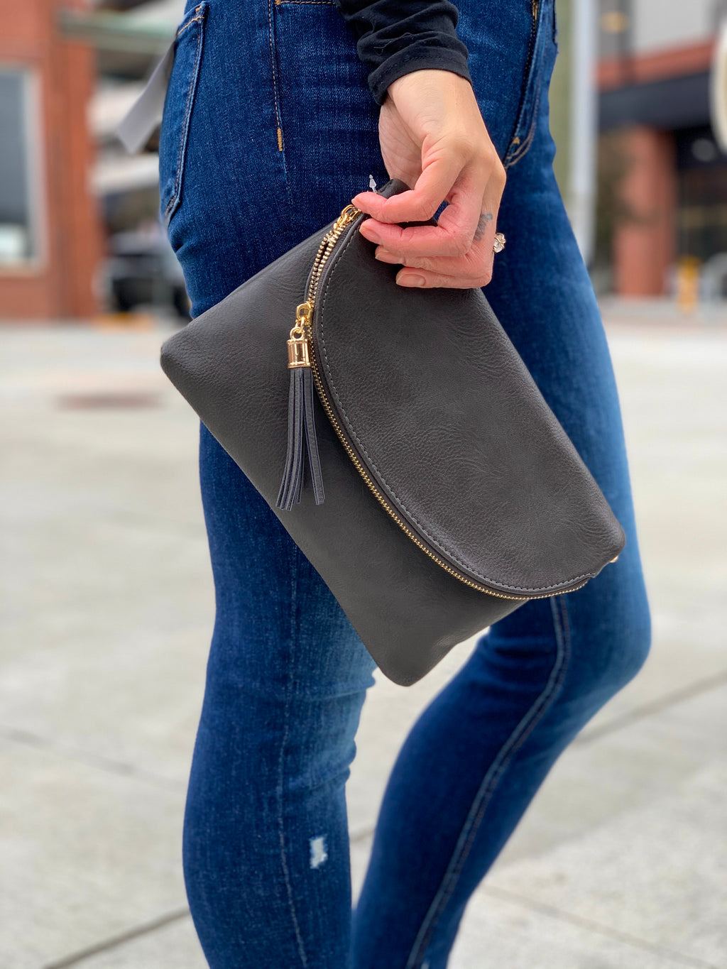 Evelyn clutch gray