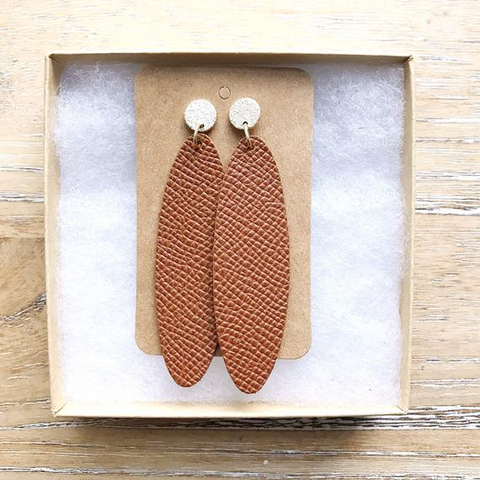 Cognac oval leather earrings