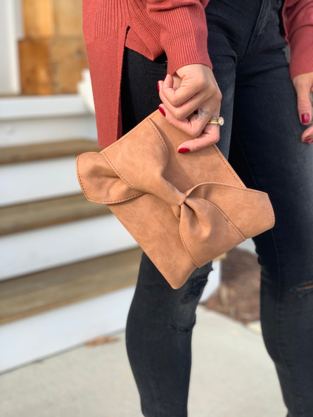 Ribbon clutch brown