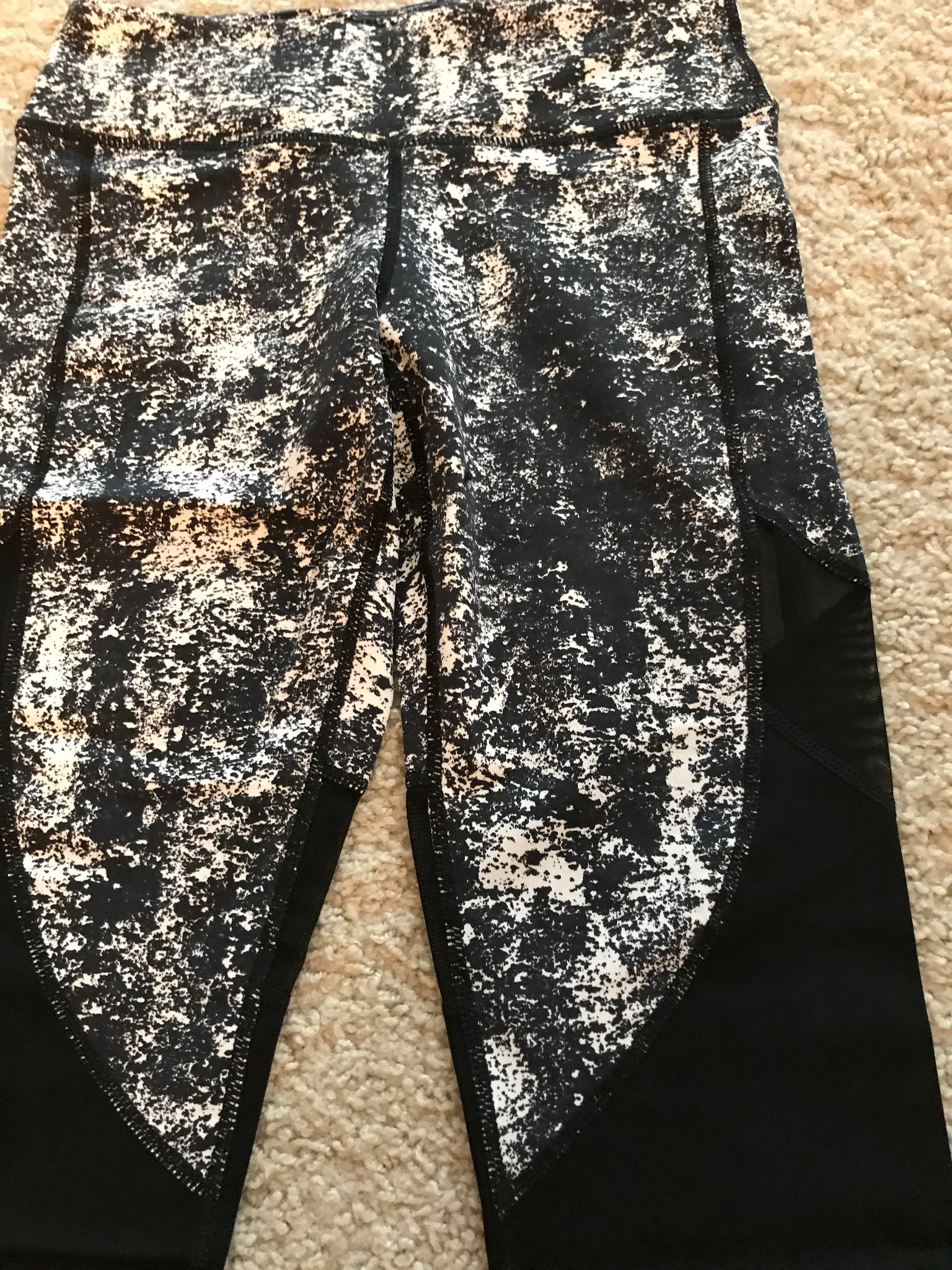 Black and white paint leggings SMALL