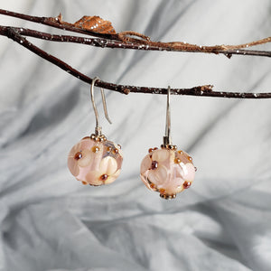 Delicate and feminine floral design earrings from murano glass