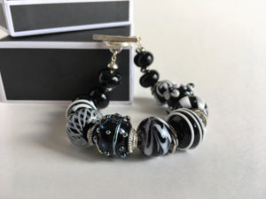 Stunning gift for a special lady, handmade glass beads bracelet