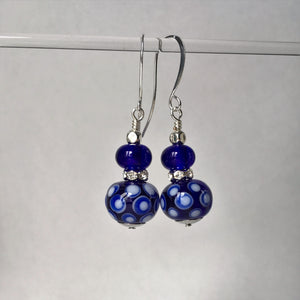 Ethnic style earrings in blue and white