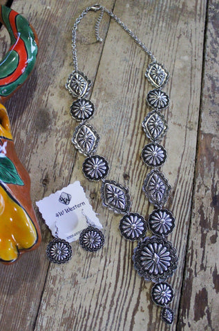 Santa Fe Concho Necklace Set