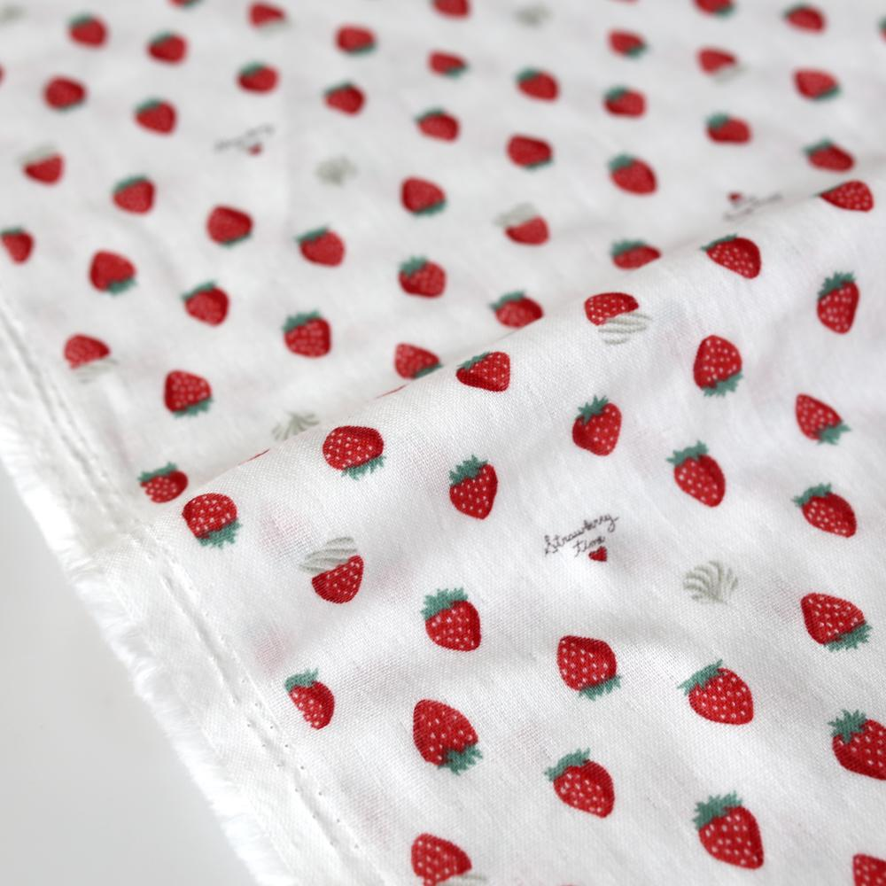 Kokka Strawberry Double Gauze - Beige - 50cm