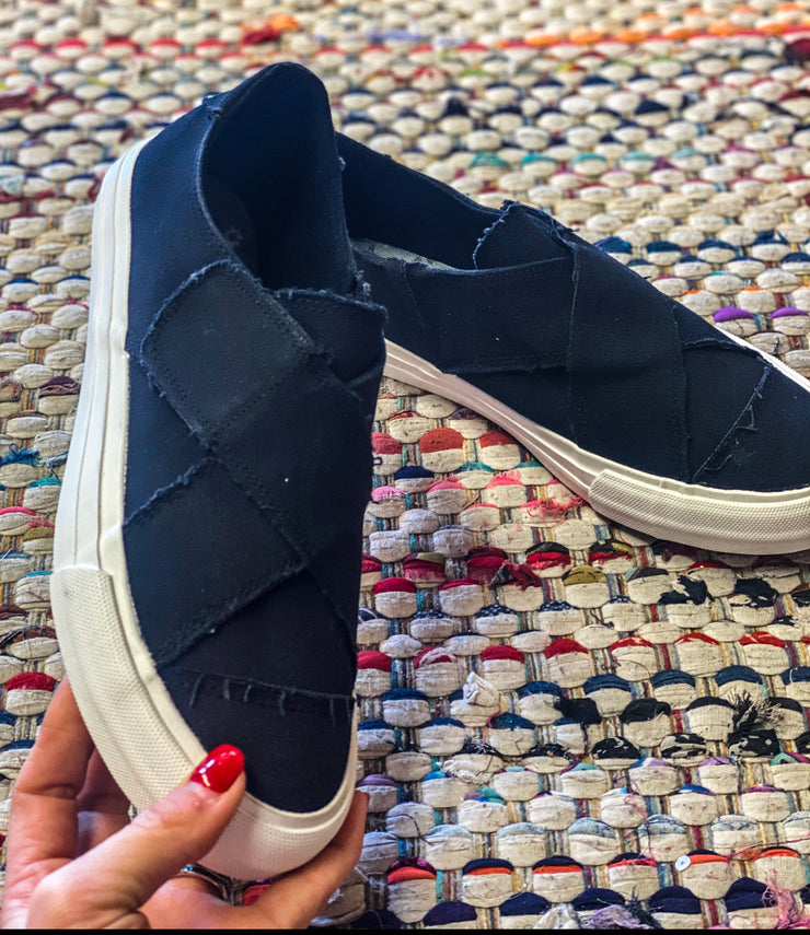 Black Crossover GJ Shoes