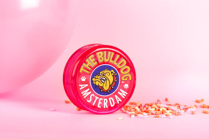 Grinder The Bulldog Trans Pink 3-Part Plastic Τ/12