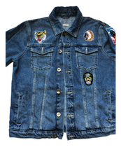 Load image into Gallery viewer, Melting Pot Trucker denim jacket. Awesome classic trucker jacket. Very good condition.