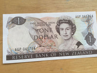 New Zealand 1 Dollar Banknote Serial Number AGP041764