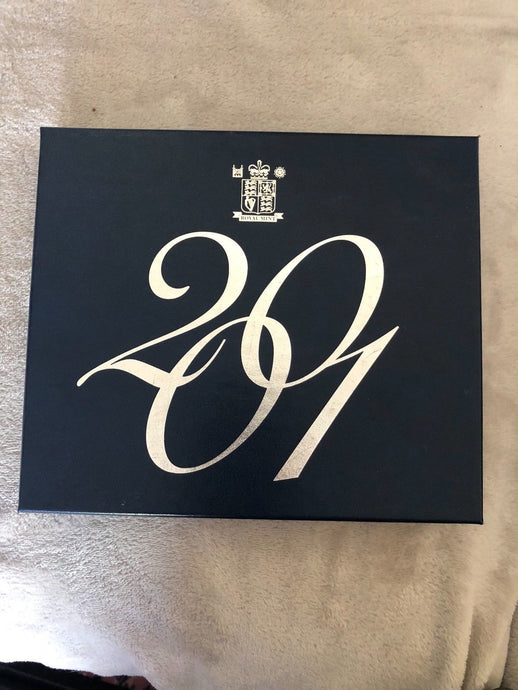 Luxury Royal Mint Plush Box for Housing Coin Sets 2001