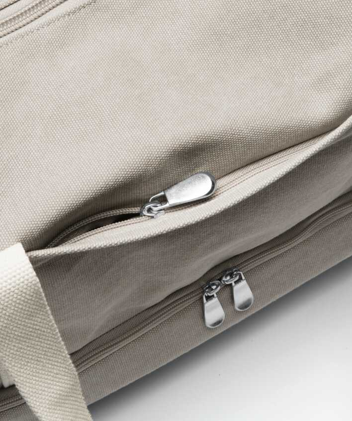 Catalina Deluxe front zipper pocket