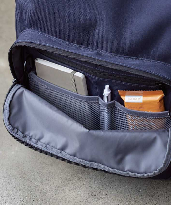 Hanover Deluxe 2 front pocket