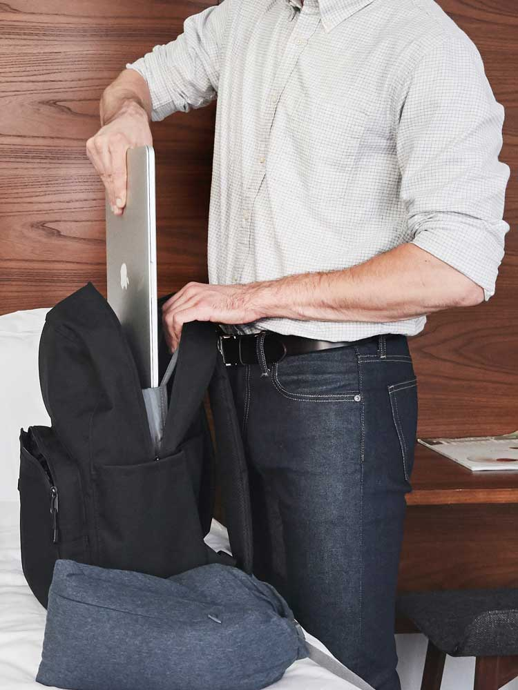 Hanover Deluxe laptop storage