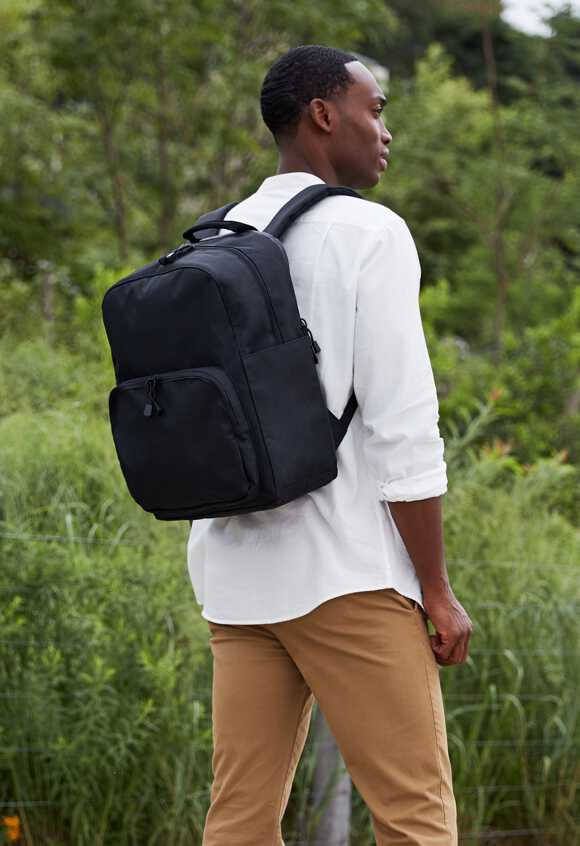 man wearing The Hanover Deluxe 2