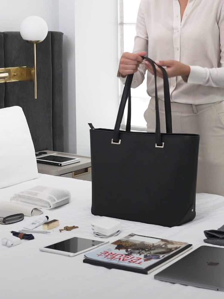 video showing how to pack the Seville Tote