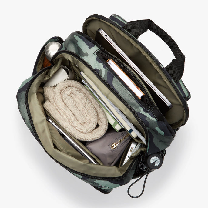 Interior Full - Hanover Deluxe 2 - 600D Recycled Poly - Green Camo - Backpack - Lo & Sons